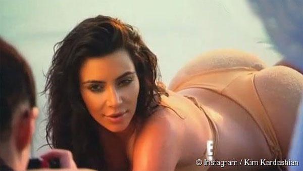 kim kardashian lien tuc khoe anh dien bikini bat mat - 9