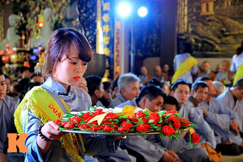 hang nghin nguoi tham gia le hoa hong cai ao - 12
