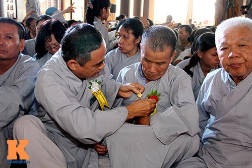 hang nghin nguoi tham gia le hoa hong cai ao - 13