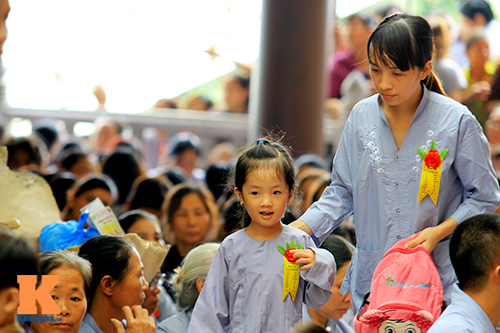 hang nghin nguoi tham gia le hoa hong cai ao - 7