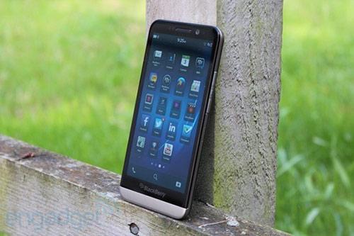 blackberry z30 giam gia 2 trieu dong - 1