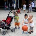 Làm mẹ - Tận mắt cuộc sống trẻ mồ côi ở chùa Bồ Đề