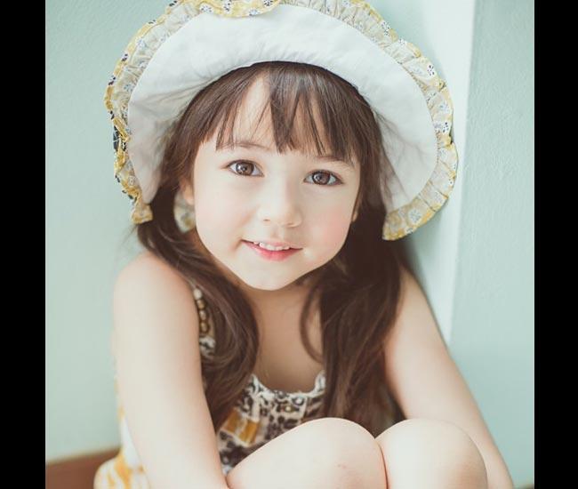 Với gương mặthoàn hảo không tì vết,Jirada Jenna Moran đangtrở thành cái tên hot nhất ở Thái Lan.  Bài liên quan  Con gái Linh Nga lộ sắc xinh ngỡ ngàng  Hotgirl tiểu học đẹp như gái 20  'Choáng' bé 6 tuổi xinh như hotgirl  Cặp song sinh Trung Quốc đẹp như tiên nữ