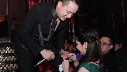 fan manh tay chi qua tien ty tang sao viet - 8