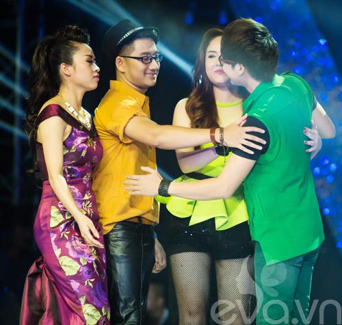 my dung khoe dang chuan tren san khau sau sinh - 18