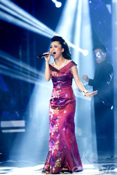 my dung khoe dang chuan tren san khau sau sinh - 12