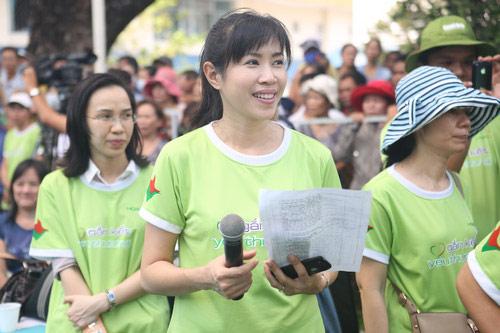 "lan phuong ""ru re"" sao viet nau an cho nguoi ngheo - 5"