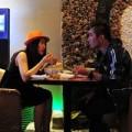 Làng sao - Bắt gặp Khánh Đơn hẹn hò Lương Bích Hữu ở quán cà phê