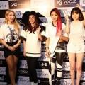 Làng sao - Fan Việt gào thét khi gặp 2NE1 tại Sài Gòn