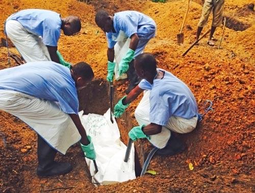 ebola bung phat manh: nguyen nhan khong phai do virus? - 1