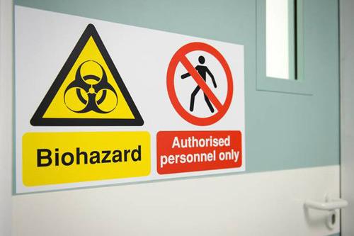 xuat hien ca nghi nhiem ebola dau tien o canada - 1