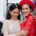Làng sao - Khoảnh khắc mỹ nhân Việt thân thiết với mẹ chồng