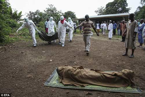 nhung hinh anh dau thuong tu vung tam dich ebola - 9