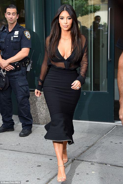 """eva """"soi"""" 12/8: kim kardashian tre nai vong 1 - 1"""