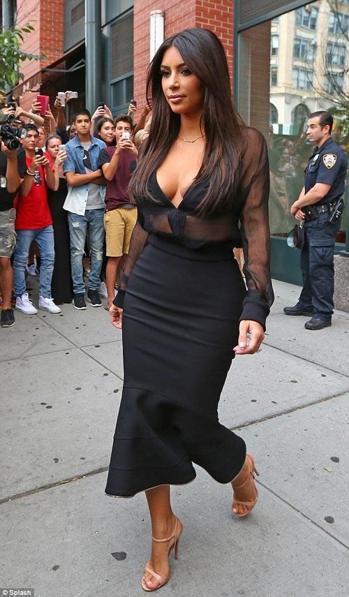 """eva """"soi"""" 12/8: kim kardashian tre nai vong 1 - 3"""