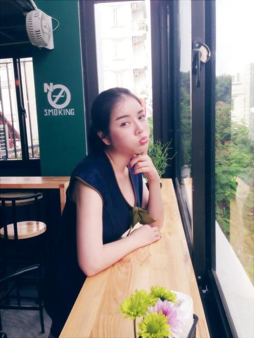 ly nha ky de mat moc di uong cafe - 1