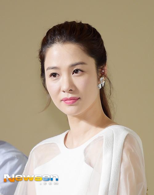 kim hyun joo tre trung sau 12 nam dong giay thuy tinh - 1