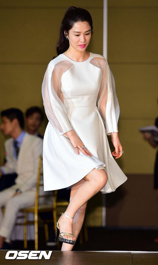 kim hyun joo tre trung sau 12 nam dong giay thuy tinh - 4