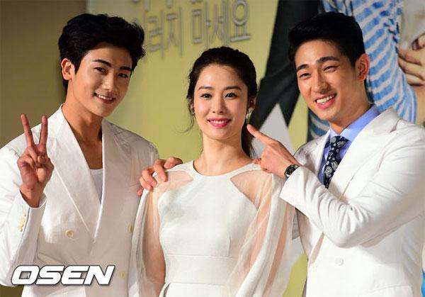 kim hyun joo tre trung sau 12 nam dong giay thuy tinh - 7