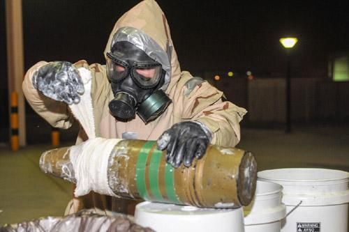 """khung bo bang """"bom ban"""" ebola: ac mong toan cau? (ky 2) - 3"""