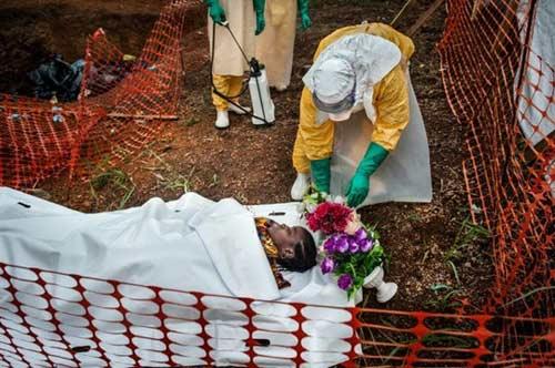 hanh trinh toi cai chet cua mot nan nhan nhiem ebola - 13