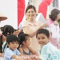 Làm mẹ - Chuyện chưa biết về trẻ em Việt đi quay quảng cáo