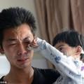 Làm mẹ - Ông bố trẻ 500 ngày mớm cơm cho con gái nhỏ