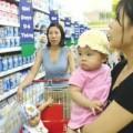Mua sắm - Giá cả - Giá sữa giảm đến 34% sau khi áp giá trần