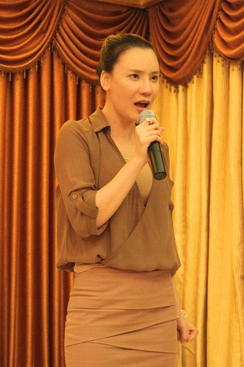"""ho quynh huong dan """"ga cung"""" di an chay - 7"""