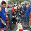 Mua sắm - Giá cả - Sếp Petrolimex: Mỗi lít xăng chỉ lãi 63 đồng
