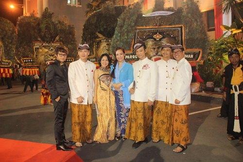 """ntk van thanh cong la lam mac """"vay"""" indonesia - 11"""