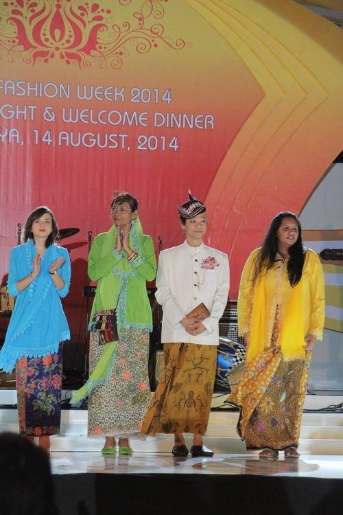"""ntk van thanh cong la lam mac """"vay"""" indonesia - 13"""