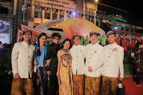 """ntk van thanh cong la lam mac """"vay"""" indonesia - 14"""