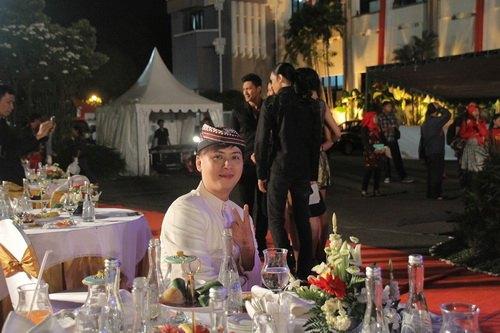 """ntk van thanh cong la lam mac """"vay"""" indonesia - 16"""