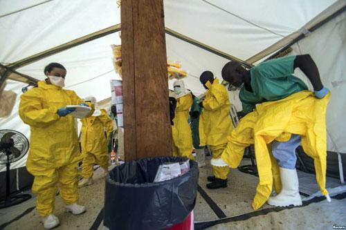 "dich ebola: ""who tuyen bo tinh trang khan cap qua muon"" - 1"