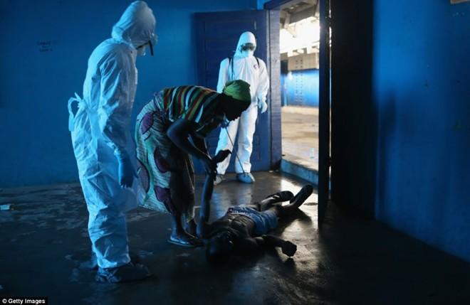 tham canh cua nhung gia dinh tan nat vi dich ebola - 4