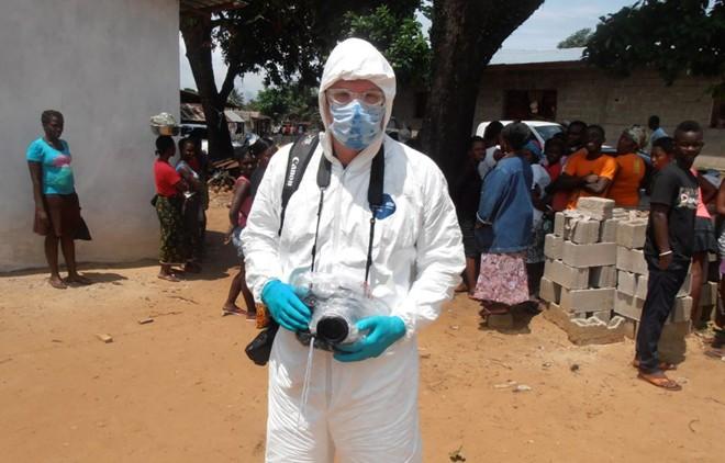 tham canh cua nhung gia dinh tan nat vi dich ebola - 8