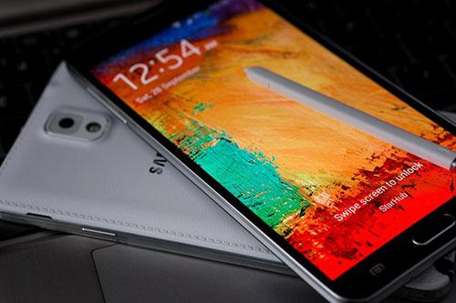 5 mau smartphone xach tay gia tot dang gay sot tai vn - 4