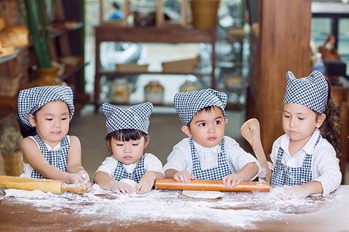 """con gái hh tràn thị quỳnh hóa thọ làm bánh """"nhí"""" - 5"""