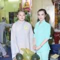 Làng sao - Hoa hậu Kim Hồng lên chùa làm từ thiện
