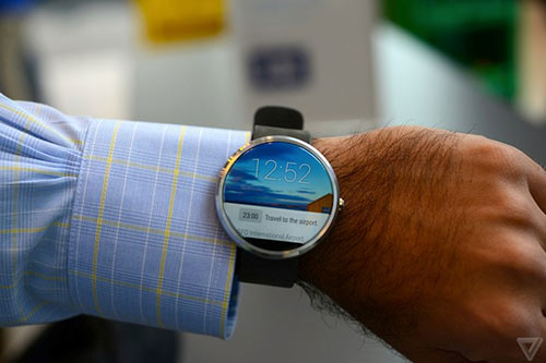 anh thuc te moto 360 - smartwatch dep nhat the gioi - 3