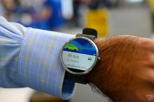 anh thuc te moto 360 - smartwatch dep nhat the gioi - 4