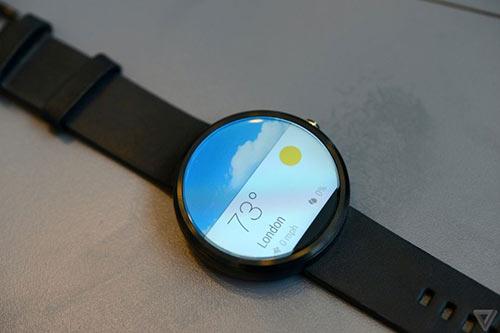 anh thuc te moto 360 - smartwatch dep nhat the gioi - 6