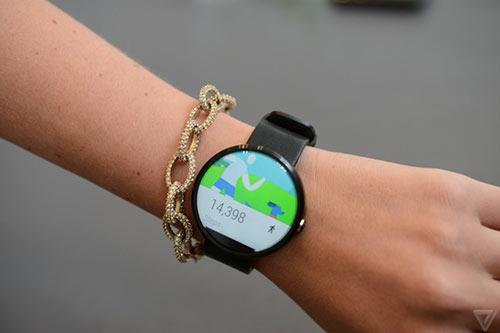 anh thuc te moto 360 - smartwatch dep nhat the gioi - 9