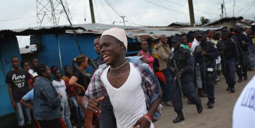 """tam bao"" ebola: dan tan cong, cuop do benh nhan - 2"
