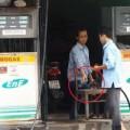 Tin tức - Clip: Xử lý hành vi ăn cắp của nhân viên cây xăng