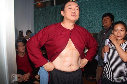 """tran thanh """"dai nao"""" ben viet huong, hoai linh - 14"""