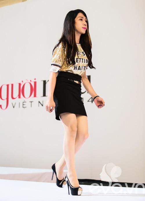 giam khao next top vat va uon nan thi sinh thi catwalk - 2