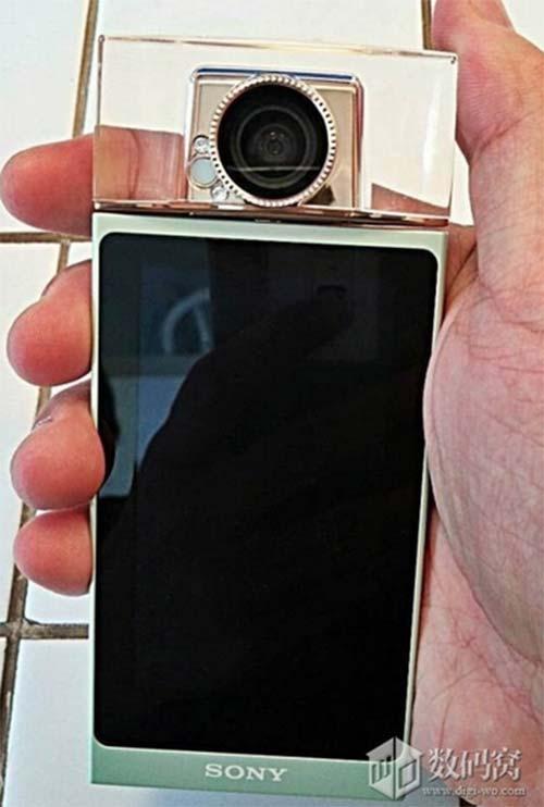 smartphone voi camera xoay chuyen chup tu suong cua sony - 1