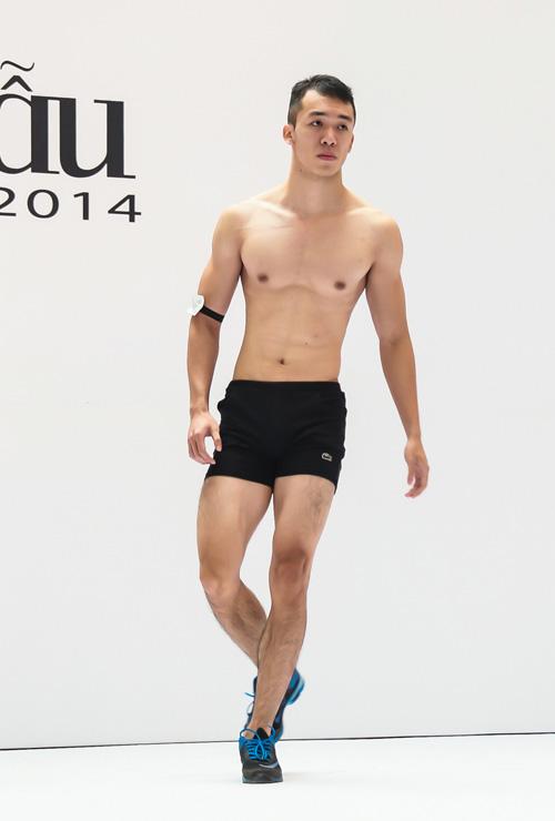 VNTM 2014: Adam bế bổng thí sinh vì thân hình quá chuẩn-5
